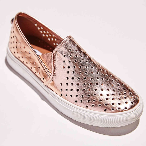 ee0f4a7a398 NIB Steve Madden Owen Slip-on Rose Gold Metallic